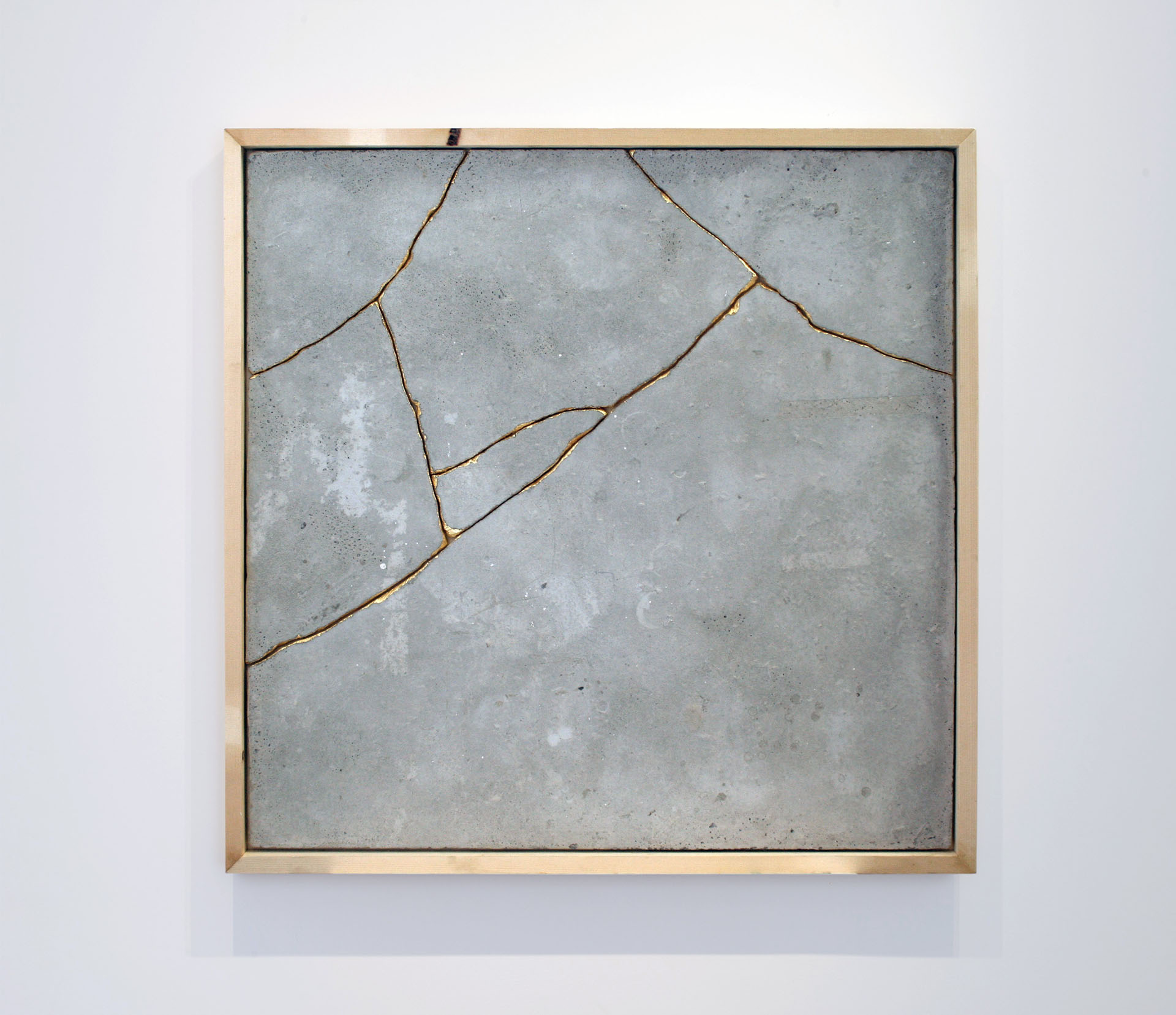 MQ - 2016, 105x105cm, Concrete wood gold
